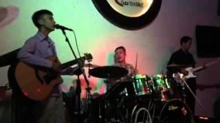 Tài năng guitar khiếm thị tự sáng tác chơi đàn hát tại G4U Cafe (23/11/2015)