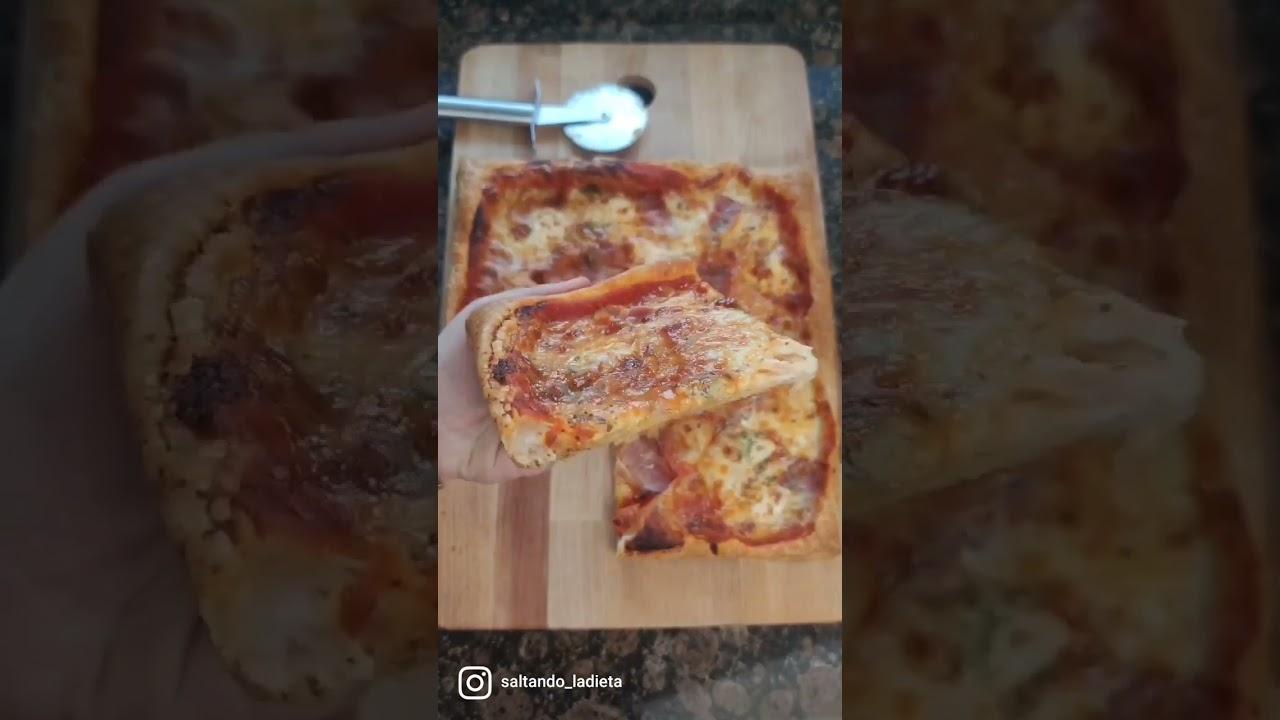 Pizza en masa de hojaldre