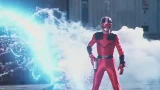 Power Ranger Fuerza del Tiempo | Eric se transforma en el Quantum Ranger