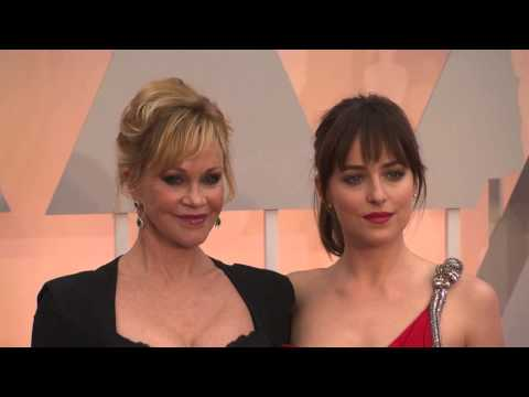 Oscars: Dakota Johnson And Melanie Griffith Red Carpet Fashion (2015)