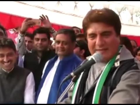 Uttar Pradesh 2017 Election Congress Leader/Bollywood Celebrity Raj Babbar in Gurudwara Indrapuram
