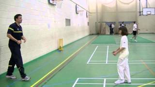 Bowling Masterclass - the off cutter - with Neil Carter and Complete Cricket by Newbold Images