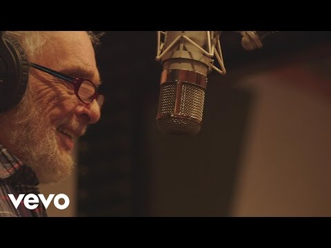 Willie Nelson, Merle Haggard - It's Only Money