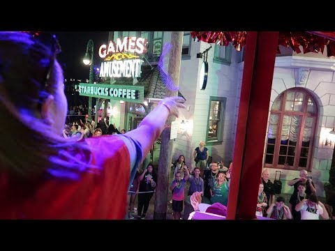 Throwing Beads From A Mardi Gras Float At Universal Studios Orlando & Mini Update!!