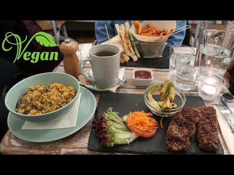 Burgers & Drama 🍔 Vegan Guide To Vienna Ep. 3 🍔 Veggiezz [CC]