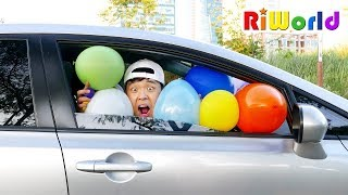 Flying Car by balloon. RIWORLD 풍선으로 아빠차를 하늘로 올려보자! 리원이의 과일 풍선 껌 색깔놀이