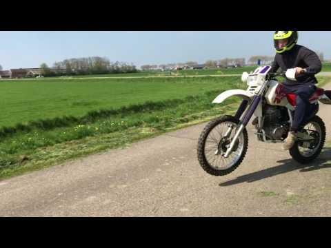 Honda XR600R Throttle wide open!