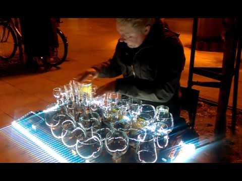 M sica con vasos de agua madrid youtube - Vaso con agua ...