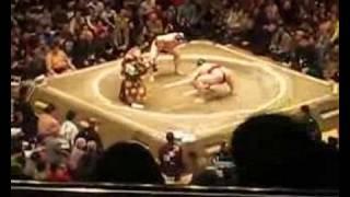 Sumo: Kisenosato (稀勢の里 寛) vs Asashoryu (朝青龍 明徳) Ryogoku S...