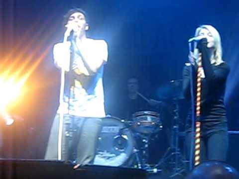 Hayley Williams singing Always Attract with Youmeatsix