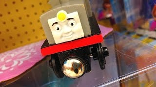 Thomas & Friends Frank Wooden Railway Toy Train Review By Mattel Fisher Price Character Friday