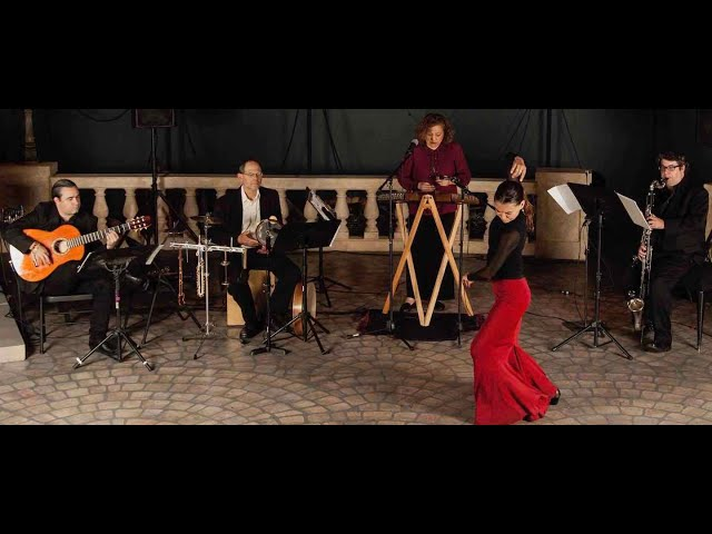 Roya Ensemble 'live': Moonlight Dance!