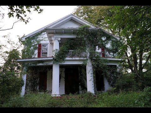 #113 Abandoned 1800s Southern Plantation/mansion!  - CREEPY SOMETHING INSIDE!