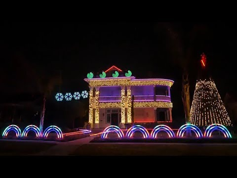 This House's 'Star Wars' Christmas Light Show Will Impress You
