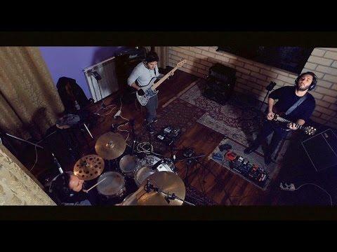 Sebastiano Esposito - Something's Crashed (Live Session)
