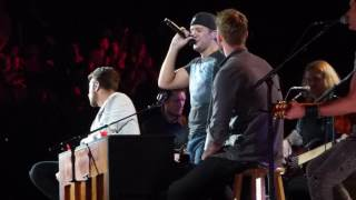 Luke Bryan, Brett Eldredge, Brett Young play an Ed Sheeran song