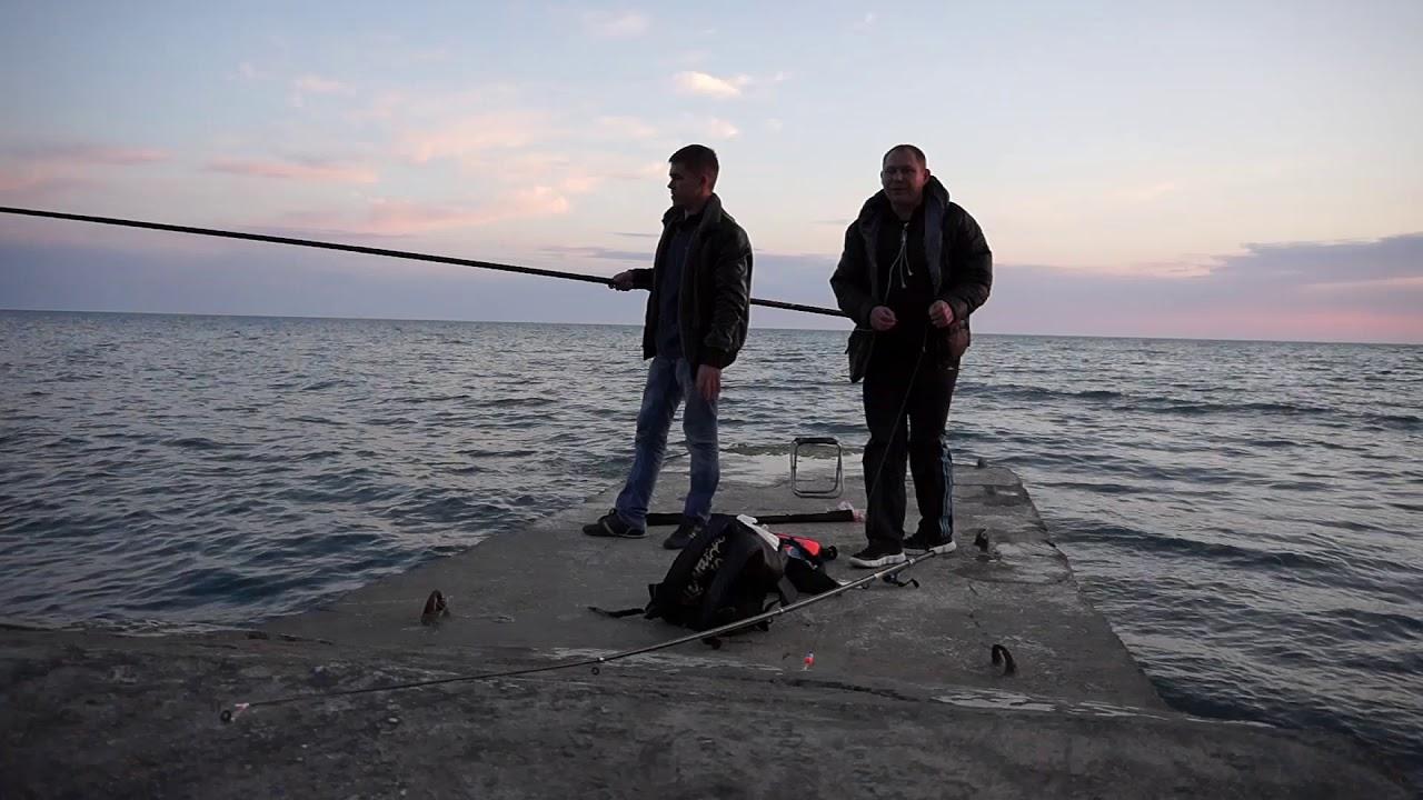 Спиннинговая рыбалка зимой на Чёрном море