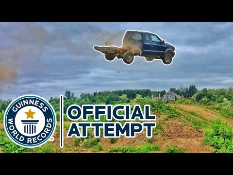 Ford F250 SUPER DUTY BEST TRUCK JUMP EVER!!!
