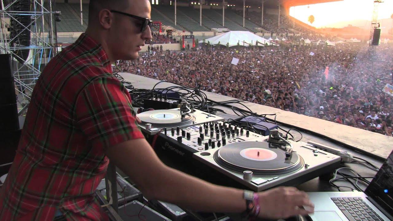 DJ SNAKE – ALL ACCESS MANG @ HARD SUMMER DAY 1 – 8.1.2015