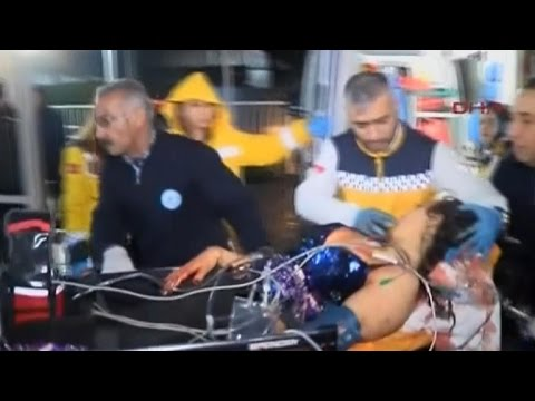 Search for gunman in Istanbul nightclub attack