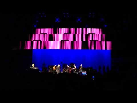 Over My Head - Fleetwood Mac - Sprint Center - Kansas City - 3/28/15