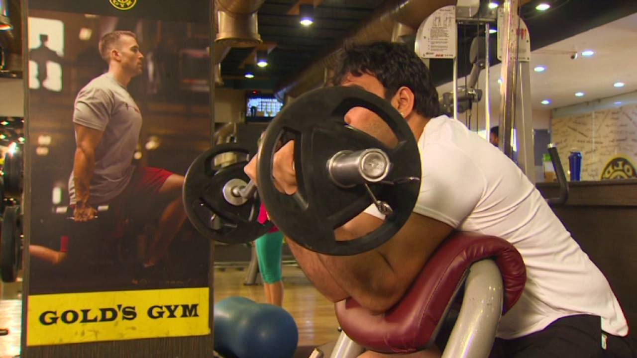 gold gym Lateral pull ups vs pull downs editorial staff - april 9, 2018 if you go to gold's gym for some back training, you'll have to choose between lateral pull ups and pull downs.