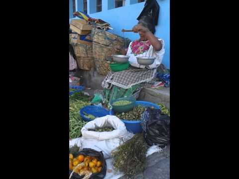 San Pedro morning market seller