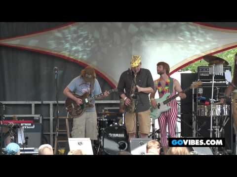 """Lucid Performs """"Miss Maybelle"""" into """"The Russian"""" at Gathering of the Vibes Music Festival 2012"""