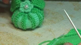 Вязание спицами для начинающих . Пинетки зефирки . Knitting