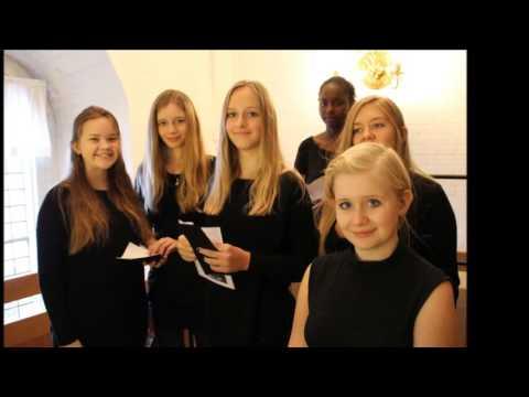 Girl Choir Voice warm up excercise. Brønderslev Kirkes Pigekor warming up for koncert.