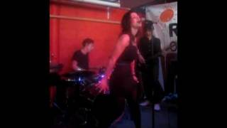 Marina & The Diamonds - What You Waiting For? (cover) @ Pure Groove Records (23/06/09)