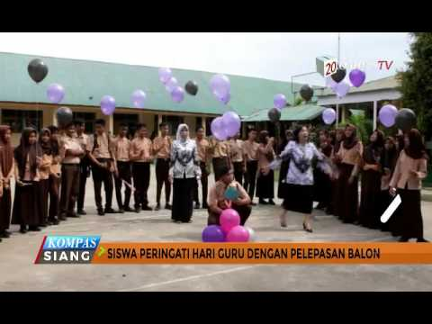 Siswa Rayakan Hari Guru Dengan Pelepasan Balon