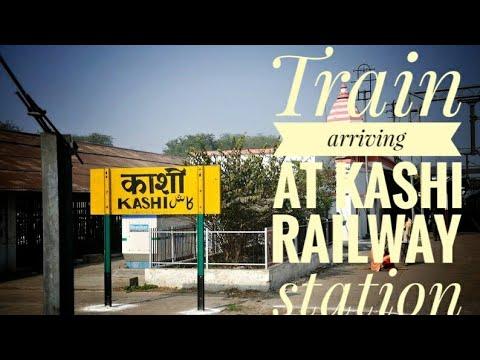 Train arriving at Kashi Railway station.