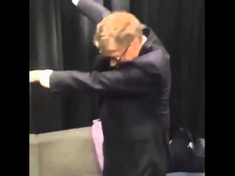 Bill Gates DAB!! - YouTube