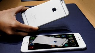 Apple Stock: Why Are Investors Losing Confidence?