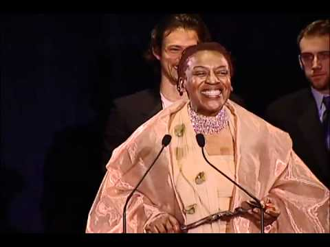 CCH Pounder accepting Satellite Award for the Best Performance by an Actress in a Series, Drama