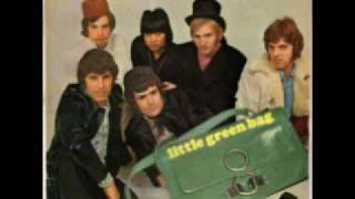 George Baker Selection - Little Green Bag (Lyrics)