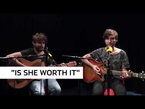 """FM4 Acoustic Session: Vicious, """"Is She Worth It"""""""