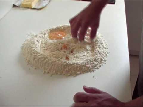 recette-de-brioche-1ere-partie-(-2-autres-vidéos-pour-la-suite-)-patisserie-sans-machine-a-pain!!