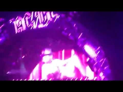 AC/DC Wembley 2015 Whole Lotta Rosie