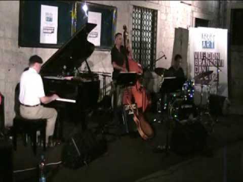 KotorArt 2009 : Povratak korijenima : Larry-Lazar Vučković jazz trio (SAD)