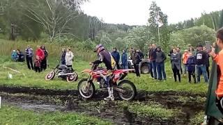 видео Томский чемпионат: фигурная езда и трюки на мотоциклах
