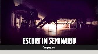 Sesso con il prete nel seminario, nel video del gigolò la sua notte con un prelato a Napoli