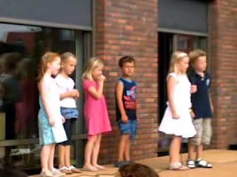Optreden De Fonkeling Jan Smit door kinderen.mp4 - YouTube