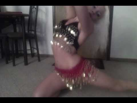 FLOOR Belly-Dancing to TURKISH SONG #3