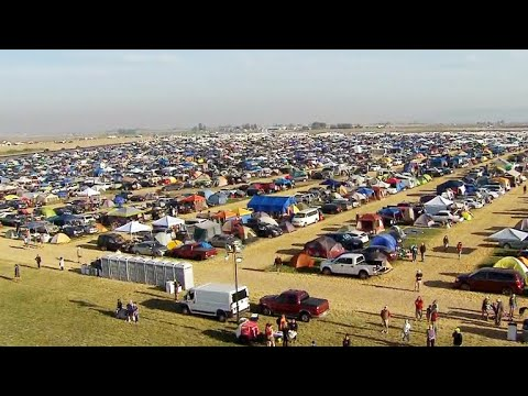 Thousands pour into campsite ahead of eclipse