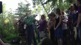 "Pete Seeger and Beacon Sloop Club ""So Long, Its Been Good To Know Yuh"""