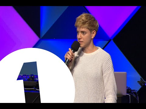 Mae Martin's Stand-Up at the Edinburgh Fringe