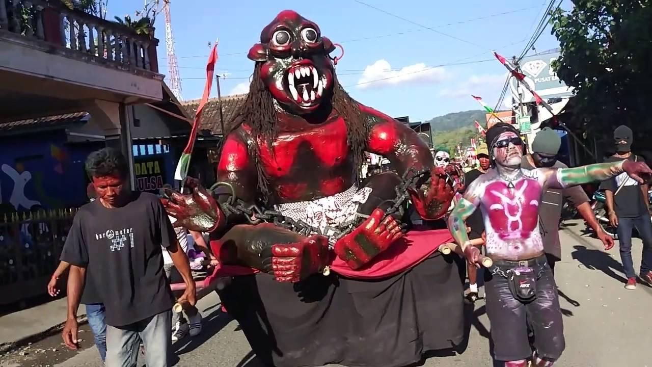Karnaval lucu koplak mamriyn menciran imogiri 2016 by xodox