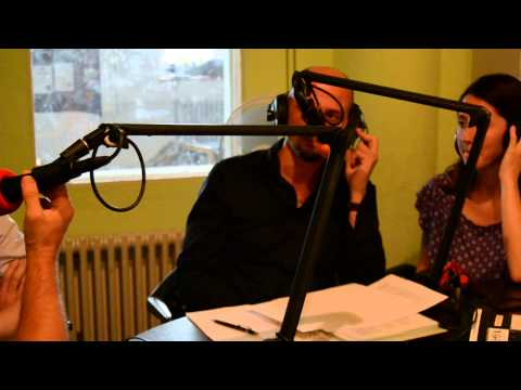 Entrevista Radio Lora.Representantes de PODEMOS Zurich y MAREA GRANATE Zurich